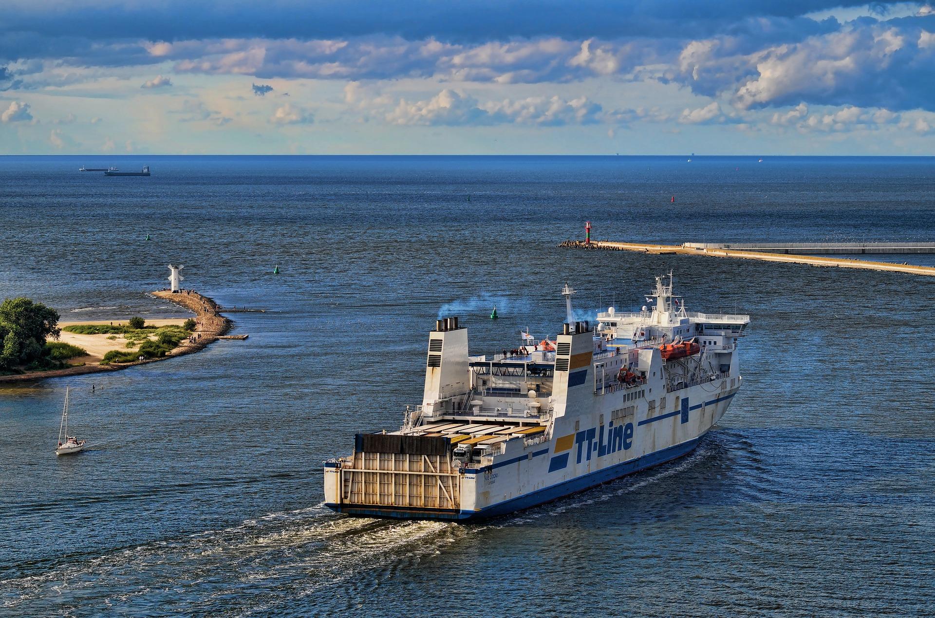 ferry-2028373_1920